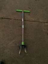 Ames Stand-Up Garden Tiller in Glendale Heights, Illinois