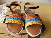 Girls Sandals us size 13.5, eu size 32, new in Hohenfels, Germany
