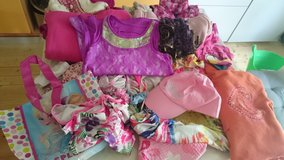 Clothes Paket girl size 7-8 in Baumholder, GE
