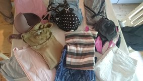 Clothes Paket size L in Baumholder, GE