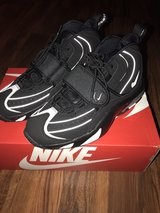 Nike Air Max pro streak black/silver; NIB; size 10; men's shoe in Okinawa, Japan