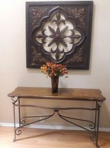 ****GORGEOUS ENTRY TABLE WITH  MATCHING METAL PICTURE *** in Kingwood, Texas