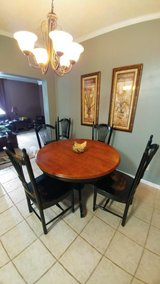 Bedroom set, dining table with 6 chairs in Camp Lejeune, North Carolina