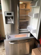 GE Stainless steel Refrigerator/Freezer w/ ice & water in Wheaton, Illinois
