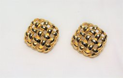 Vintage Signed Givenchy Basket Weave Square Gold Tone Earrings Post Stud in Kingwood, Texas