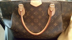 LV Handbag, Dining Suit, Ring Set, Coffee Table in Kingwood, Texas