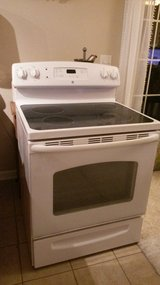GE Smooth Top oven range stove in Camp Lejeune, North Carolina