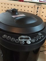 Electric digital pressure cookers $44 each in Fort Bragg, North Carolina