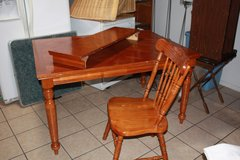 Kitchen Table and chairs in Alamogordo, New Mexico