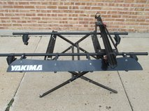 Yakima Roof Rack w/ Clamp Style Bike Rail and Wind Fairing in Bartlett, Illinois