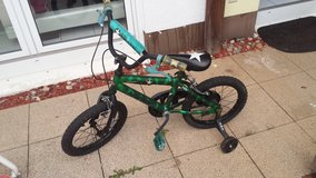 Kids Bicycle (16 inch) with training wheels in Ramstein, Germany