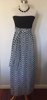 black and white strapless summer dress in Sugar Land, Texas