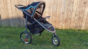 Graco Click Connect Jogging Stroller in Naperville, Illinois