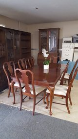 all wood dinning table w/ 2 leave in Macon, Georgia
