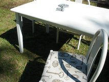 KITCHEN TABLE W/4 CHAIRS in Beaufort, South Carolina