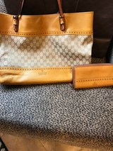 Gucci Monogram Tote w/ matching wallet - Gold/yellow in Houston, Texas