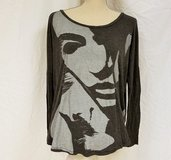 Abercrombie & Fitch Black Charcoal Gray Face Portrait Med Knit Top Shirt Blouse in Kingwood, Texas