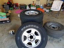 "255/R 70 16"" Tires /rims/ including spare/ everything pictured in Byron, Georgia"