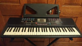 Yamaha Portatone PSR-220 keyboard in Yorkville, Illinois