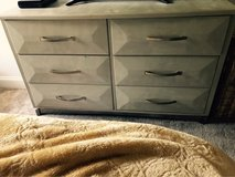 6 drawer wood dresser in 29 Palms, California