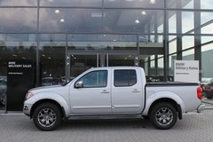 2015 Nissan Frontier Crew Cab SL 4WD *LOW MILES, LEATHER* in Ramstein, Germany