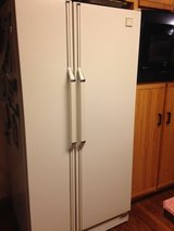 Whirlpool Side by side Refrigerator/freezer in Bolingbrook, Illinois