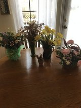 Floral arrangements with vases in Byron, Georgia