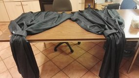 Black color curtains in size 1m/2m in Ramstein, Germany