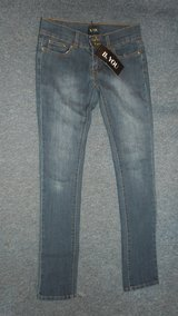 BNWT size 8 skinny jeans in Lakenheath, UK