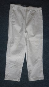 size 10 3quarter length trousers in Lakenheath, UK