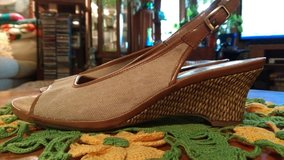 New Aerosoles sandles in Warner Robins, Georgia