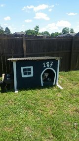 Custom Dog House in Clarksville, Tennessee