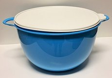 Tupperware Jumbo Thasta Bowl in Guam, GU