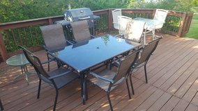 Patio set with 6 chairs in Chicago, Illinois