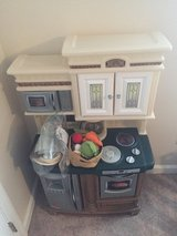 Like New-Step 2...Kiddie Kitchen!! in Gloucester Point, Virginia