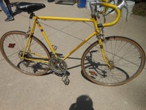 Vintage 1974 Schwinn Continental Lemon Yellow Men's 10 Speed Bike in Brookfield, Wisconsin