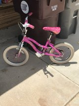 Kids bike with training wheels in 29 Palms, California