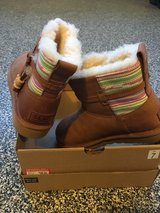 Ugg women 7  authentic brand-new in box in DeKalb, Illinois