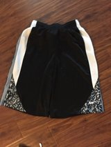 Boys Nike Therma Fit Shorts size Xl in Sugar Grove, Illinois