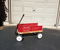 REDUCED!VINTAGE WOODEN TOWN & COUNTRY RADIO FLYER. EXCELLENT CONDITION! in Elgin, Illinois