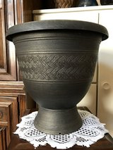 "12"" Urn Planter (plastic/black/gold) in Sugar Grove, Illinois"
