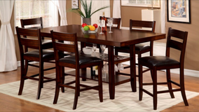 ALL MUST GO! UPSCALE SOLID WOOD PUB DINING SET!! in Vista, California