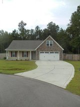 3/2 with Fence and Bonus Room near Air Station! in Camp Lejeune, North Carolina