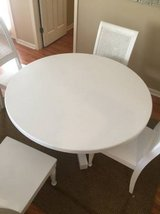 White Dining Room Table + 4 matching chairs in Wilmington, North Carolina