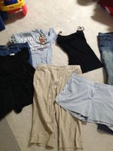 6 Piece Lots / Lightweight Women's Clothing in Camp Pendleton, California