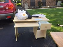 solid desk in Lockport, Illinois