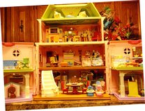 Large DOLL HOUSE in Alamogordo, New Mexico