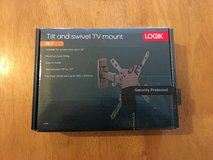 Logik tv wall mount bracket up to 32 inch. in Lakenheath, UK