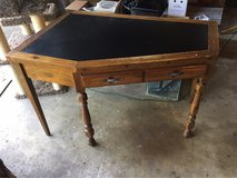 young hinkle corner Desk in Lockport, Illinois