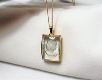 Vintage Sarah Coventry Signed Thea Cameo Clear Glass Necklace Gold Tone Pendant in Houston, Texas